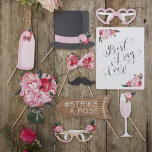 Photobooth με wedding props Boho