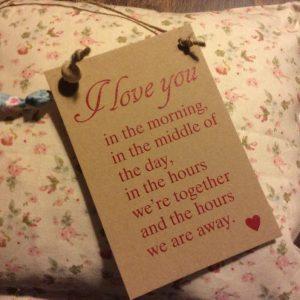 Καρτελάκι Δώρου με Γνωμικό Αγάπης: I love you...