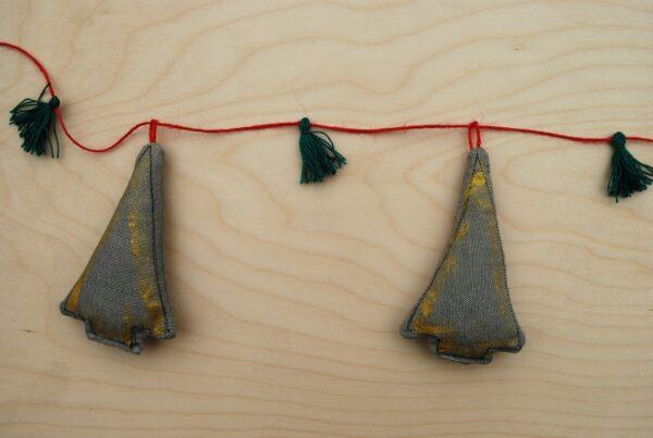 Γιρλάντα από χειροποίητα υφασμάτινα γκρι Χριστουγεννιάτικα Δέντρα 1τεμ.